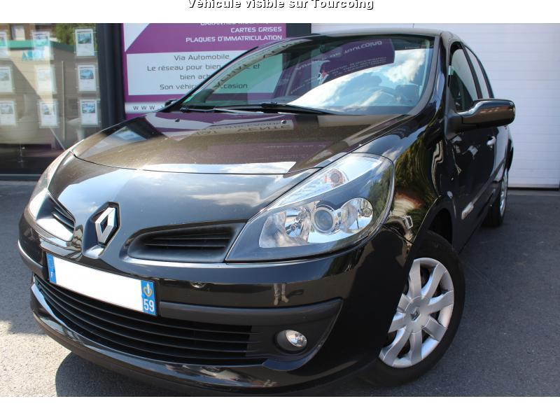 voiture renault clio iii occasion diesel 2007 135000. Black Bedroom Furniture Sets. Home Design Ideas