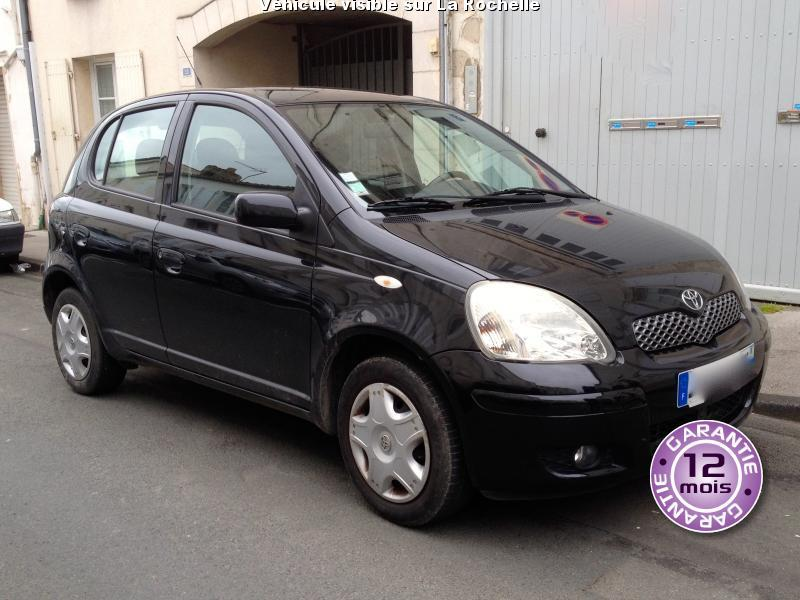voiture toyota yaris occasion essence 2005 111500 km 4990 la rochelle charente. Black Bedroom Furniture Sets. Home Design Ideas