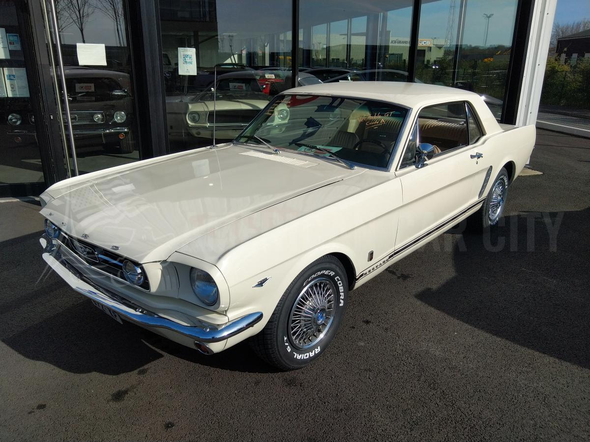 FORD MUSTANG COUPE GT CODE A