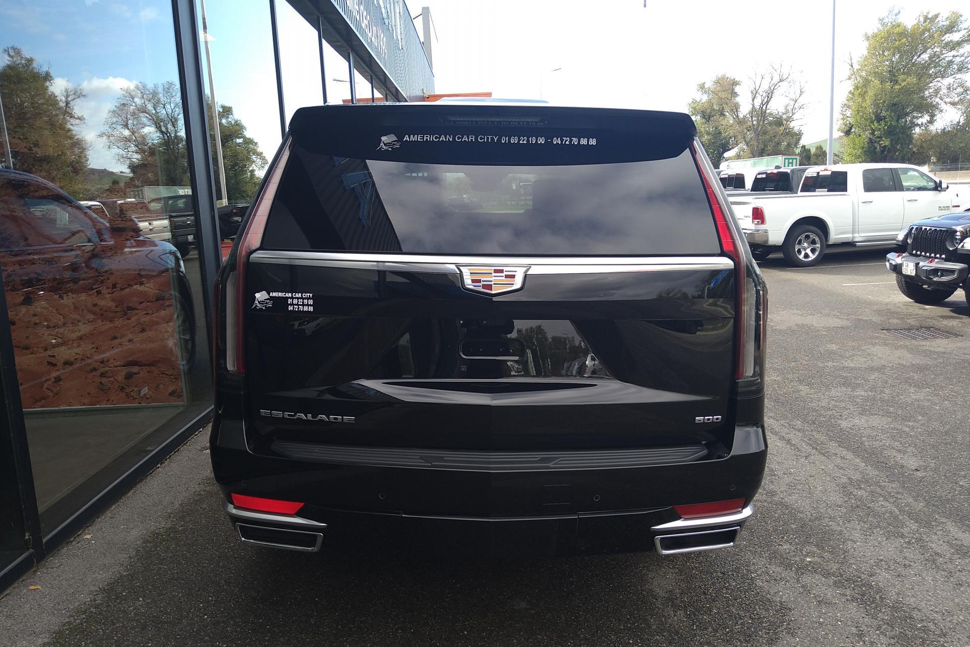 CADILLAC ESCALADE ESV Premium Luxury V8 6.2L