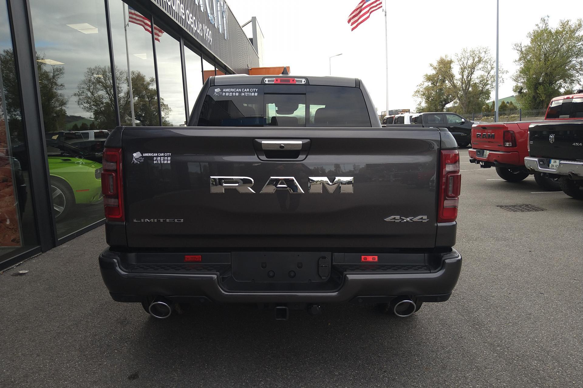 DODGE RAM 1500 CREW LIMITED 2020